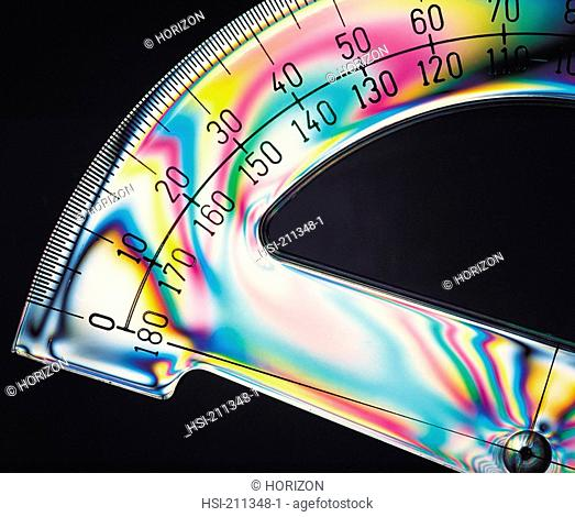 Stress pattern on a protractor