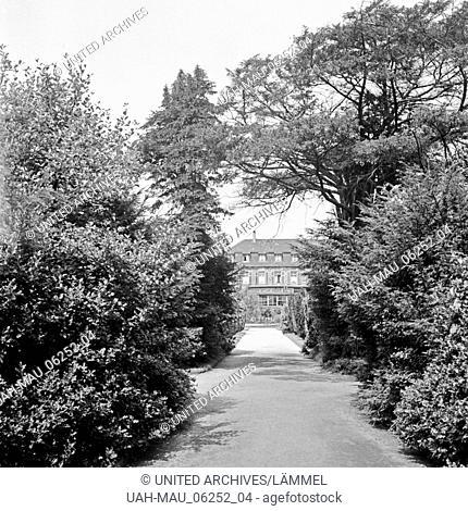 Schloss Berge, auch Haus Berge, in Gelsenkirchen Buer, Deutschland 1930er Jahre. Berge castle at Gelsenkirchen Buer, Germany 1930s-