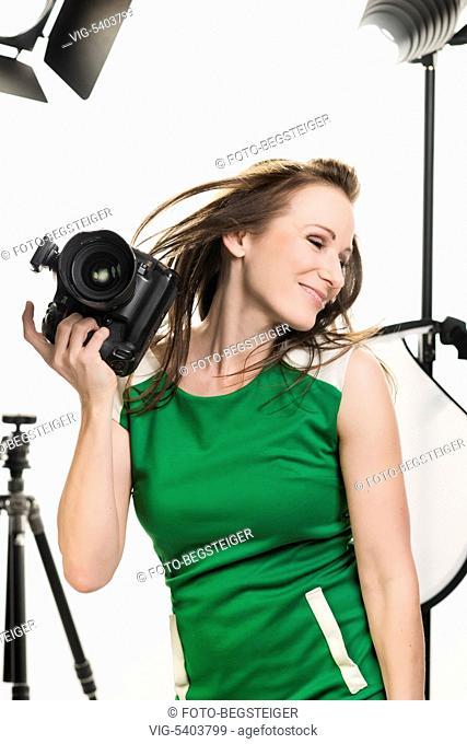 female photographer in studio - 11/02/2016