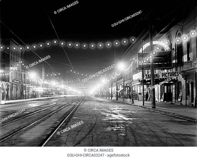 Illuminated Street at Night, Niagara Falls, New York, USA, Detroit Publishing Company, 1910