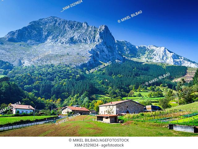 Urrutia country house. Arrazola greenway. Atxondo Valley, Biscay, Basque Country, Spain, Europe