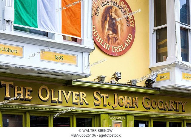 Ireland, Dublin, Temple Bar area, traditional pub exterior, Oliver St. John Gogarty Pub