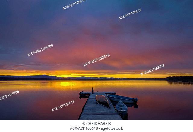 Canada, British Columbia, Chilcotin region, Anahim Lake, wharf, sunrise