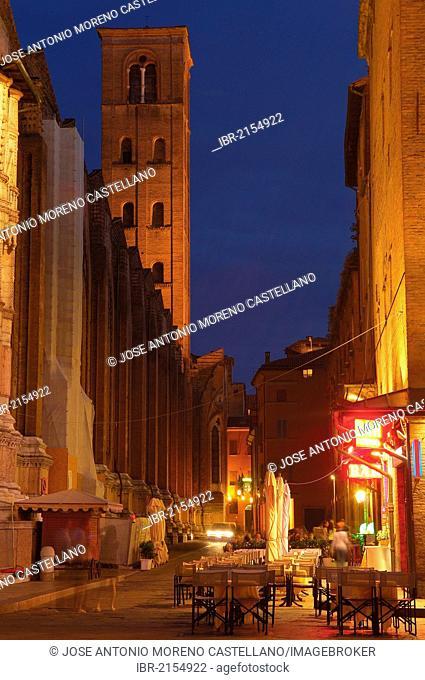 San Petronio's cathedral, Piazza Maggiore main square, Bologna, Emilia-Romagna, Italy, Europe