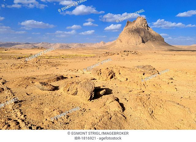 Remains of a volcano in granite landscape, Hoggar, Ahaggar Mountains, Wilaya Tamanrasset, Algeria, Sahara, North Africa