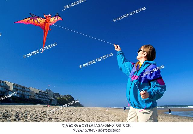 Kiteflying, Dee River State Park, Lincoln City, Oregon
