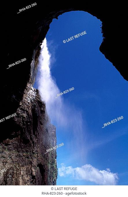 View from base of Angel Falls, Churun Gorge, Auyantepui Devil's Mountain Auyantepuy, Canaima National Park, UNESCO World Heritage Site, Venezuela, South America