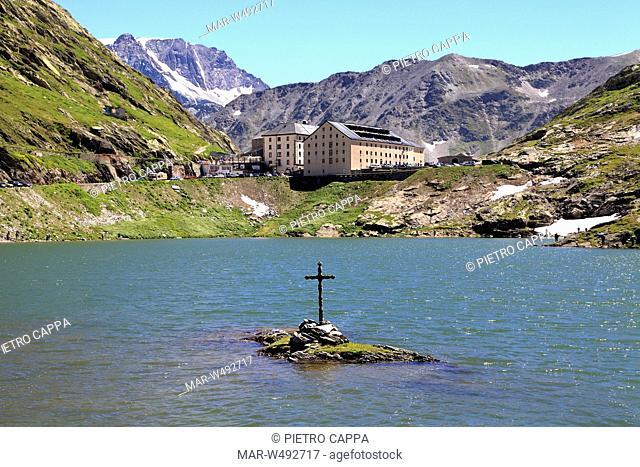 colle del gran san bernardo, lago, croce, ospizio, valle d'aosta, italia