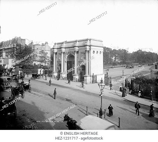 Marble Arch, Hyde Park, London, before 1908. Marble Arch was designed by John Nash in 1827 as the ceremonial gateway to the refurbished Buckingham Palace