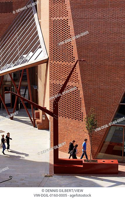 The building is designed to embody the dynamic character of a contemporary Student Union. The complex geometries of the site pro