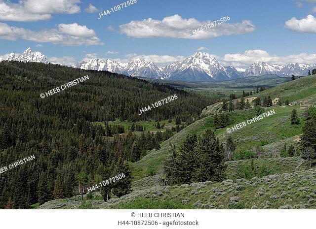 view from turnout along, Highway 26, Teton Mountain Range, Grand Teton National Park, Wyoming, USA