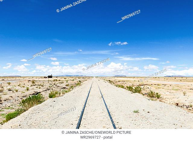 Bolivia, Departamento de Potosí, Nor Lípez, railway tracks through the unspoiled countryside