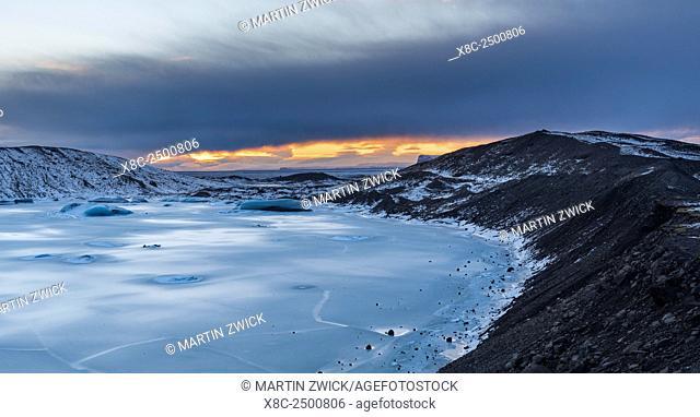 Glacier Svinafellsjoekul in the Vatnajoekull NP during winter. view towards the outwash plain or sandur europe, northern europe, iceland, February