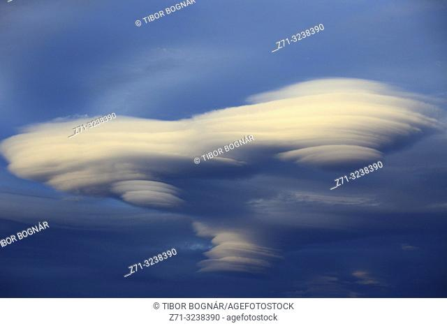 Chile, Magallanes, Torres del Paine, lenticular clouds,
