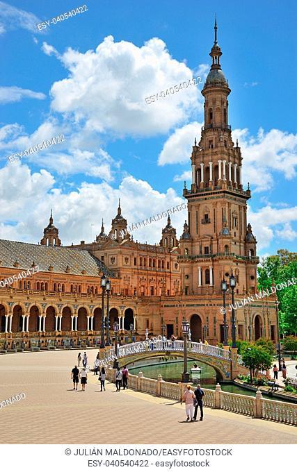 Details of the Plaza de España in Seville