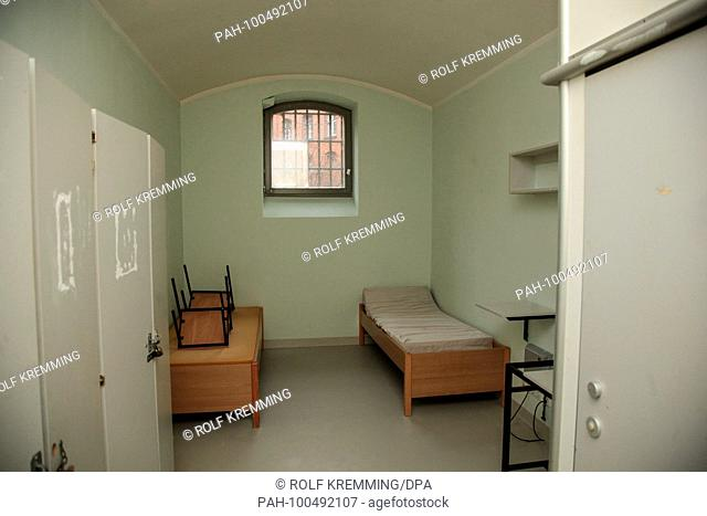 Cell in the Berlin Moabit remand centre. 06.01.2018 | usage worldwide
