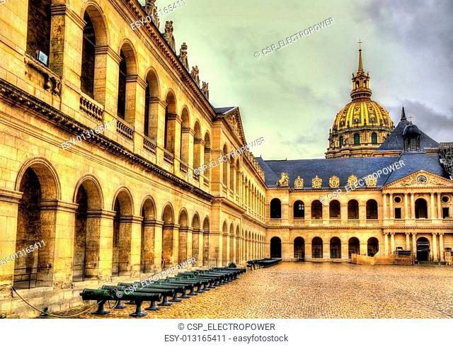 Court of Honor in the Residence of the Invalids - Paris