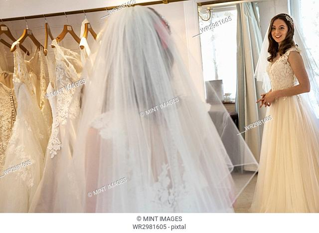 03a8a72841c Mirror getting dressed wedding Stock Photos and Images