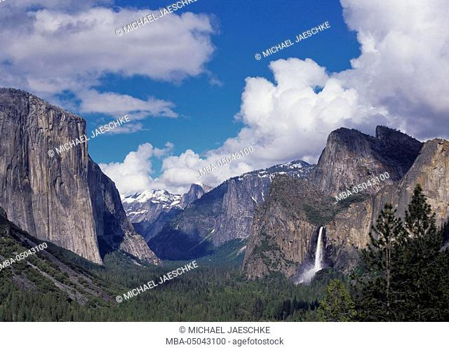 Tunnel View, Bridalveil Fall, Yosemite National Park