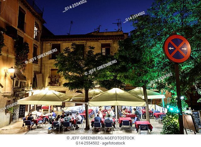 Spain, Europe, Spanish, Hispanic, Toledo, dusk, night, nightlife, Corral de Don Diego, restaurant, alfresco, dining, night, nightlife