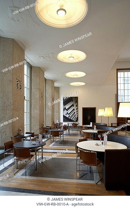 RIBA BUILDING 1934, PORTLAND PLACE, LONDON, W1 OXFORD STREET, UK, GREY WORNUM, INTERIOR, INTERIOR OF CAFÉ AREA WITH TABLES/ CHAIRS
