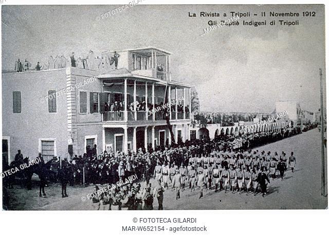 LIBIA italiana, Tripoli, parata militare: gli Zaptié indigeni di Tripoli. Le truppe coloniali facevano parte dell'Arma dei Carabinieri ed erano composte di...