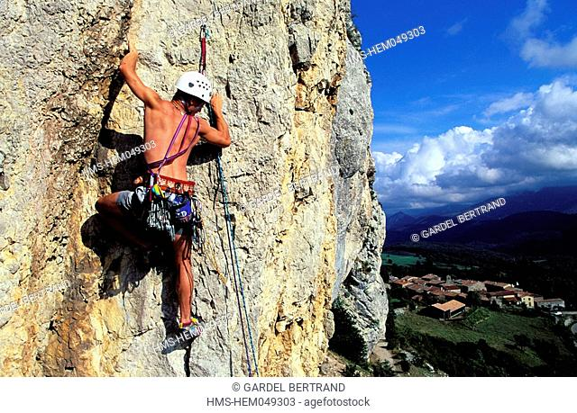 France, Ariege, Pays d' Olmes, Roquefixade, rock climbing