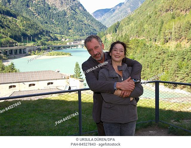 Actors Heio von Stetten as Stefan Keller and Julia Stemberger as his wife Charlotte Keller during filming of the fifth film in the ARDDegto series 'Der...