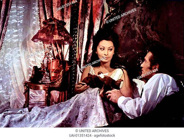 Lady L, Lady L., Lady L, Lady L., Sophia Loren, Paul Newman Durch ihre Ehe mit dem Lord wird Lady L's (Sophia Loren) Liebe zu ihrem Anarchisten Armand (Paul...