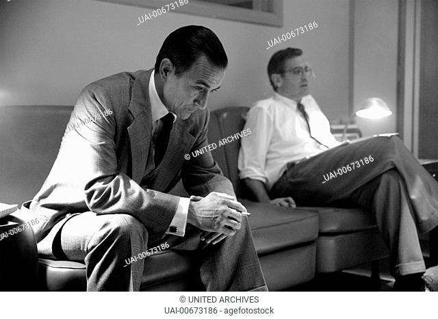 GOOD NIGHT, AND GOOD LUCK USA 2005 George Clooney Sie sind ein Team: CBS-Anchorman Edward R. Murrow (DAVID STRATHAIRN) und sein Produzent Fred Friendly (GEORGE...
