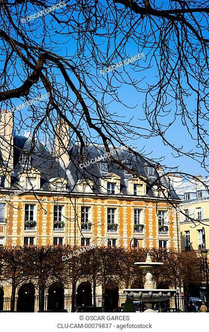 Place Royale, the Place des Vosges, Paris, France, Western Europe