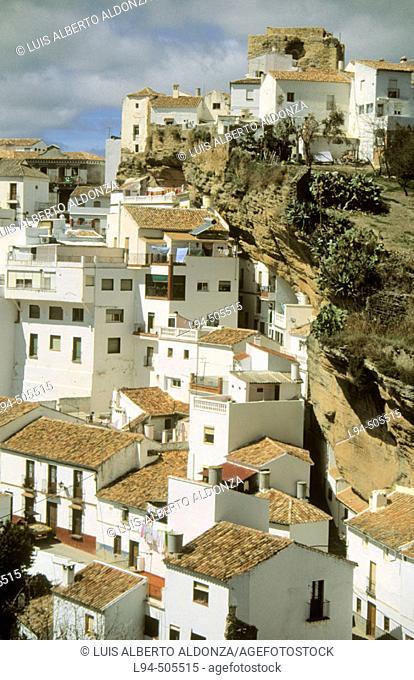 Setenil de las Bodegas. Torreón del Homenaje and Arab Alcazaba. Cádiz province. Andalusia. Spain