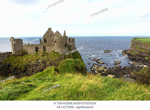 Dunluce castle, abandonded in 1939