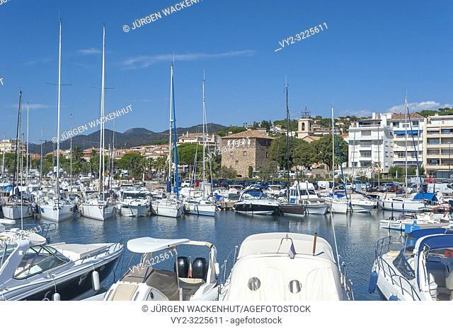 Marina with view toward the Tour Carée, Sainte-Maxime, Var, Provence-Alpes-Cote d`Azur, France, Europe