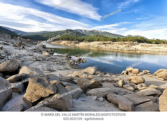 Burguillo reservoir and the Sierra de Gredos on the background. Avila. Spain
