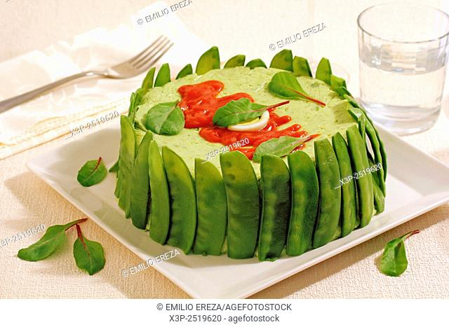 Timbale with mangetout peas