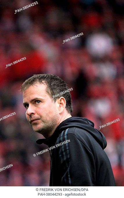 Leverkusen's head coach Sascha Lewandowski is pictured prior to the Bundesliga soccer match between 1. FSV Mainz 05 and Bayer 04 Leverkusen at Coface Arena in...
