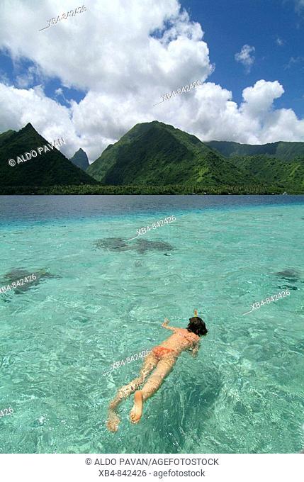 Tahiti Iti ('small Tahiti' separated by a short isthmus from Tahiti Nui or 'big Tahiti') South coast, Tahiti island, Polynesia