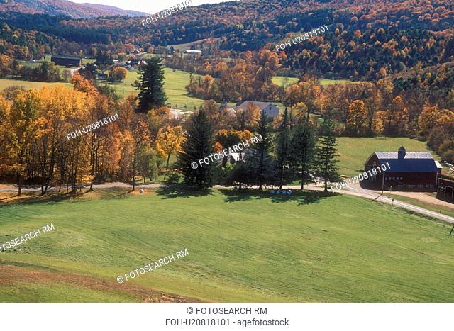 fall, South Pomfret, VT, Vermont, View of the scenic countryside of South Pomfret in autumn