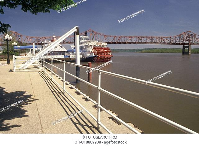Peoria, IL, Illinois, Riverboat docked at Riverfront Park along the Illinois River in Peoria