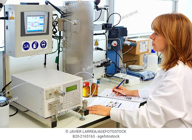 Unimicrocanal cylindrical microreactor to reactions and processes in conditions of pressure and temperature in the liquid phase. Organic Laboratory