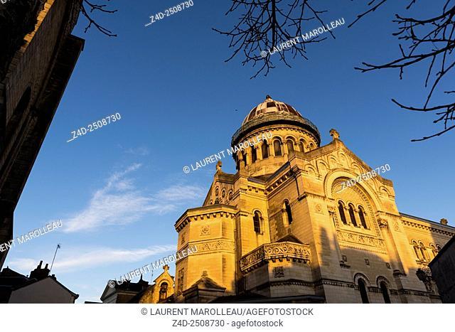 Saint Martin New Basilica (19th century). Tours, Indre et Loire, Loire Valley, France, Europe