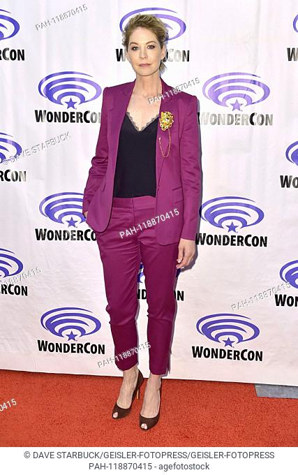 Jenna Elfman at the Photocall for the AMC TV series 'Fear the Walking Dead' at WonderCon 2019 at the Anaheim Convention Center. Anaheim, 31.03