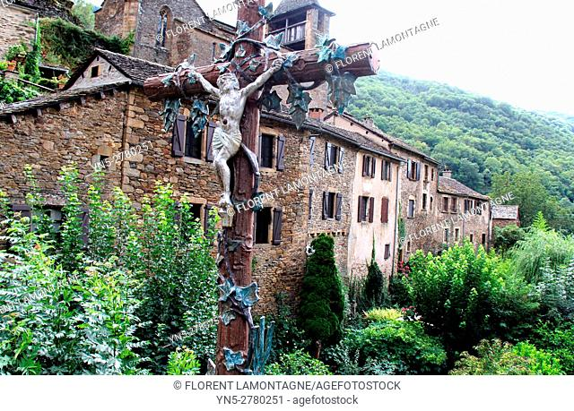 View on the village of Brousse le Chateau and the cross of the stones'bridge, Aveyron, Occitanie, Languedoc, Roussillon, France