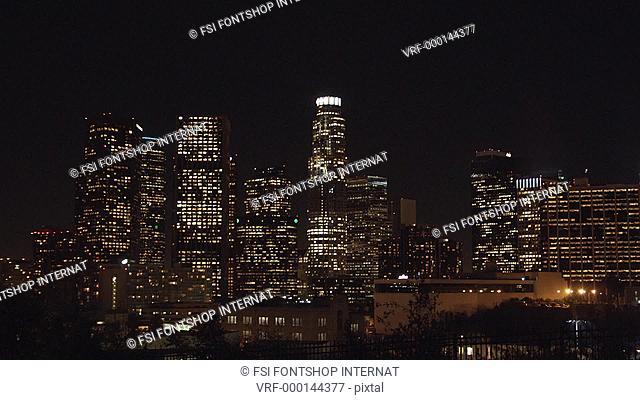 WS, T/L of Los Angeles cityscape, California, USA