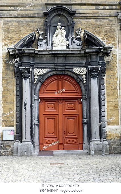 Church door, Small beguinage Onze-Lieve-Vrouw ter Hoye, Petit béguinage Notre-Dame de Hoye, Unesco World Heritage Site, Gent, Belgium, Europe
