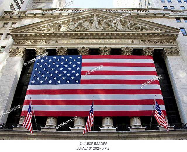 New York Stock Exchange Building, American flag, Wall Street, Manhattan, New York City, New York, United States
