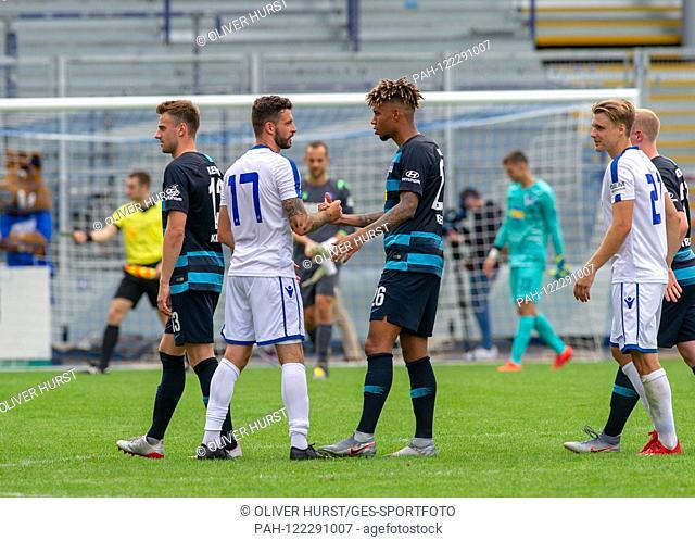 Congratulates Hertha (Sidney Friede (Hertha BSC) GES / Football / KSC blitz tournament: Karlsruher SC - Hertha BSC Berlin, 13.07