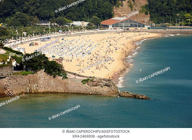 Ondarreta Beach and  Pico del Loro, San Sebastian, Guipuzcoa, Basque Country , Spain