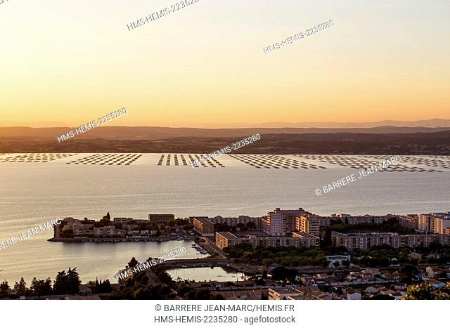 France, Hérault , Sete, Thau pond seen from the panorama of Les Pierres Blanches